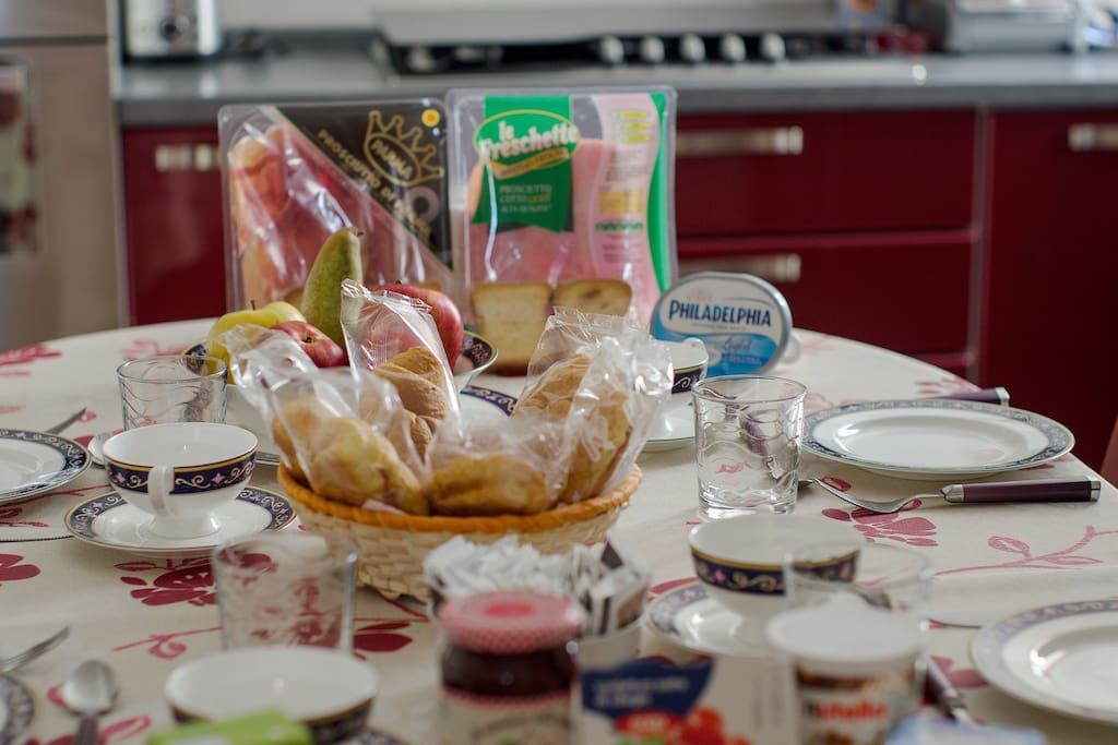 utti i prodotti necessari per la colazione saranno provveduti gratuitamente dalla direzione e gestiti da ogni ospite in completa autonomia.