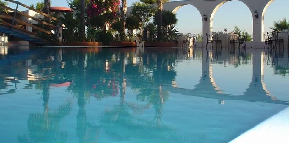 AMAZING APT+POOL+ 150mt TO THE SEA - Seccagrande - 一軒家