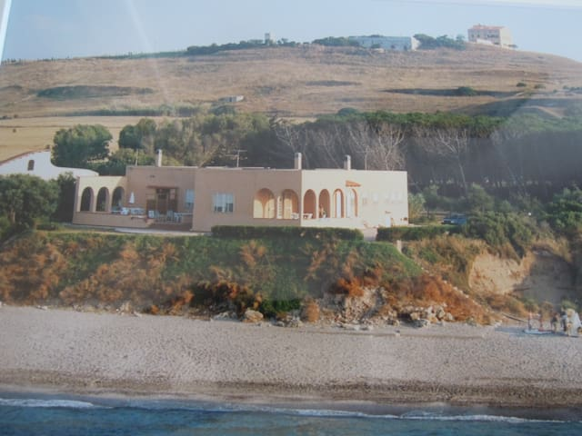 Platamona : house on the beach. - Platamona