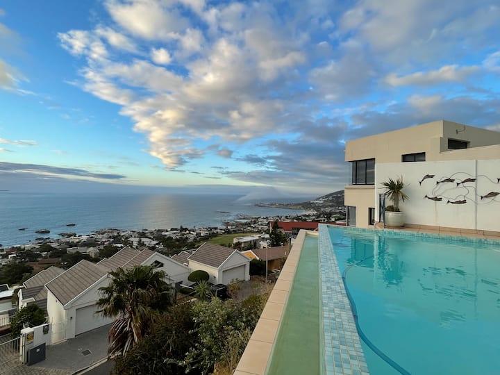 NEW Spacious home- stunning ocean & mountain views