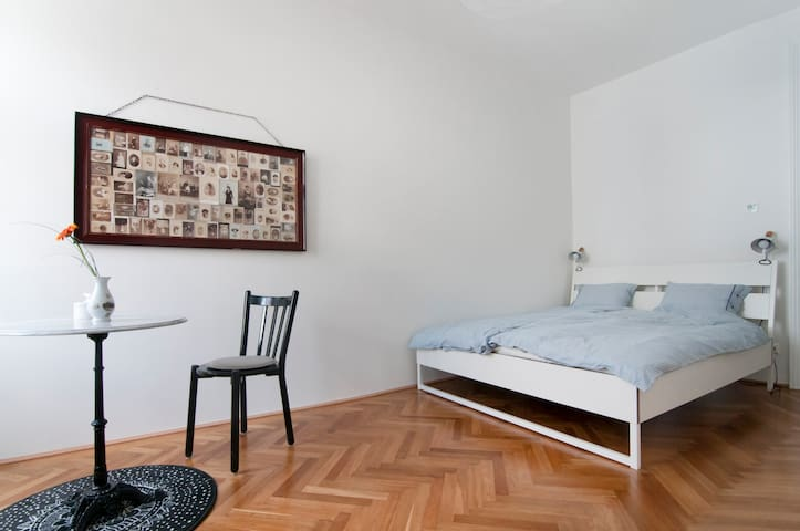 New and childfriendly in beautiful Josefstadt - Viyana - Daire