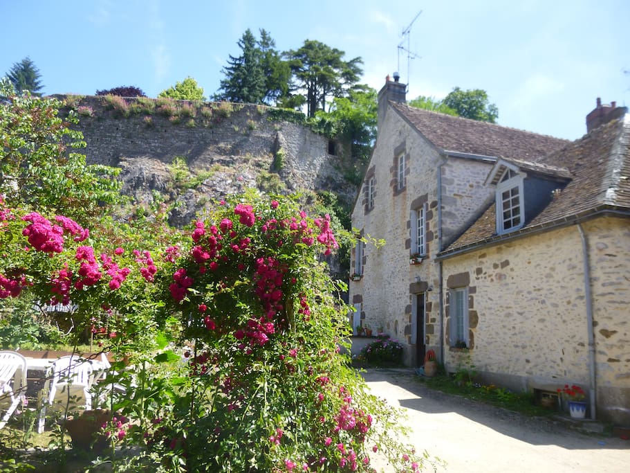 Chambre d 39 h tes bed breakfasts te huur in fresnay sur for Chambre d hotes frankrijk