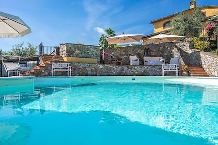 Villa Solaria - Serravalle Pistoiese near Montecatini Terme - Serravalle Pistoiese (PT) - Dům