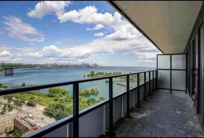 High level condo with a Stunning Lake shore view