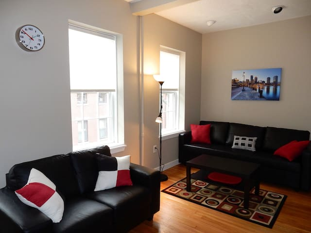Sharp Beacon Hill flat. Steps to MGH/Charles River - Boston - Apartamento