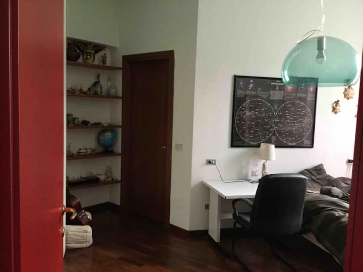 private room  in central flat near train stations
