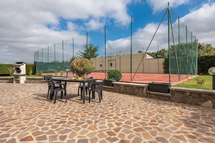 Villetta Tennis 2, Chalet mit Tennisplatz