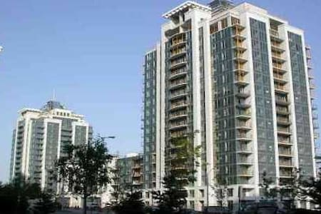 Entire Spacious & bright condo - Kondominium