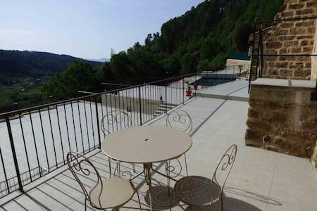 """""""La terrasse"""" havre de paix idéal pour 4 personnes - Faugères - Appartamento"""