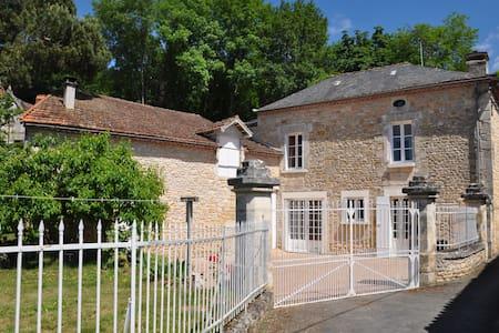 maison familiale dans bourg village - Sarliac-sur-l'Isle