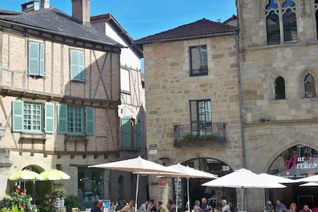Appt lumineux, centre historique - Figeac