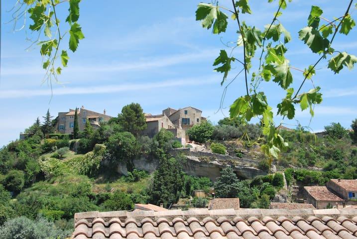 Charmante maison troglodyte - Cabrières-d'Aigues - Grotte