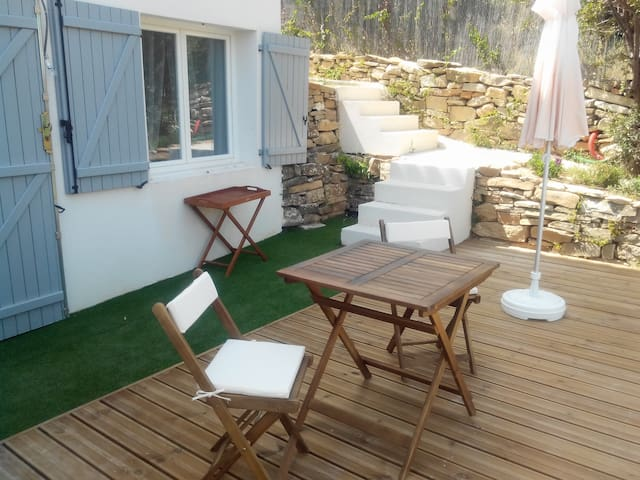 New studio beaches 5 minutes - La Ciotat - Hus