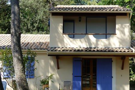 La maison bleue - Uchaux