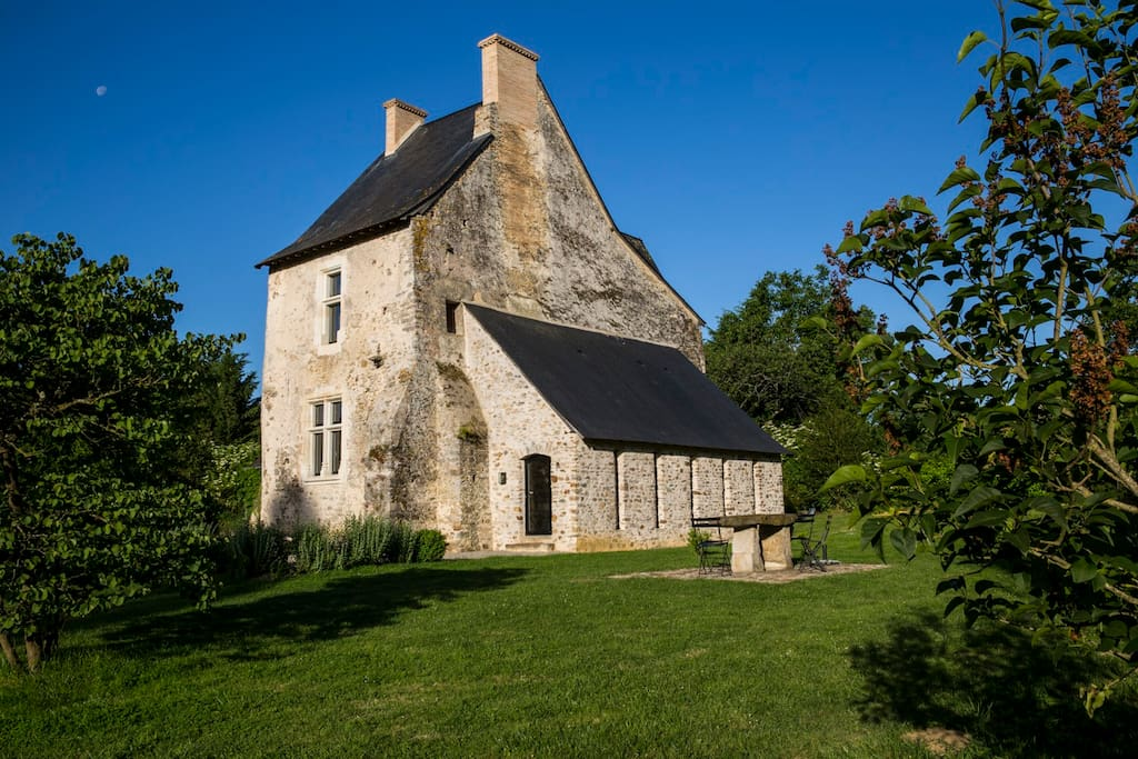 La façade est de la tour.