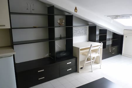 Modern studio White and Black - Sofia - Loft