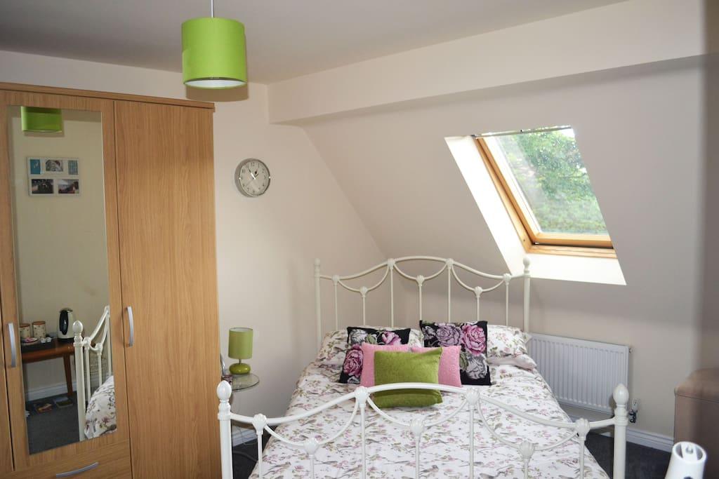 Large, spacious bedroom
