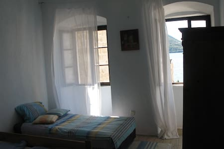 Apartment with sea view - Perast