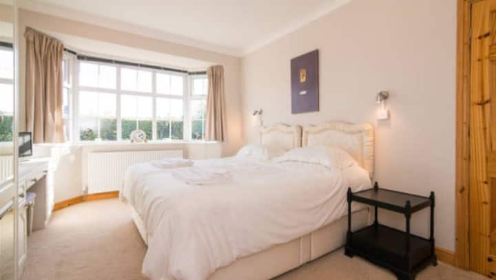 Double Room ( 2 of 4 ) in Knutsford, Cheshire