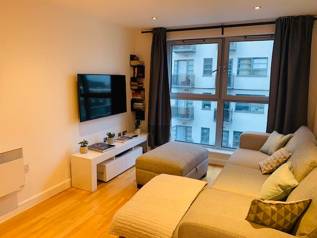 Cosy 2 beds and 2 baths in Shoreditch Park