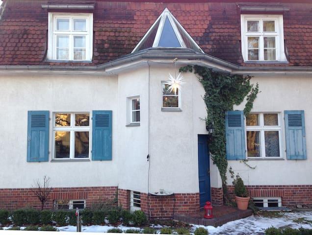 Schönes Zimmer im Süden Berlins - Kleinmachnow - Talo