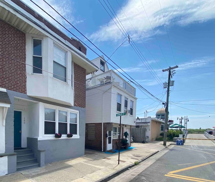2nd House to the Boardwalk+Beach!!! Just Renovated