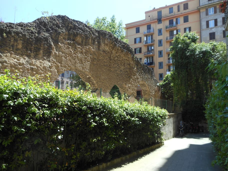 entrata di via Vespucci 49