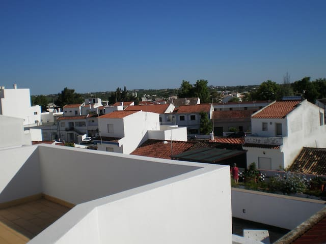 2 Bedroom Apart w/ huge top balcony