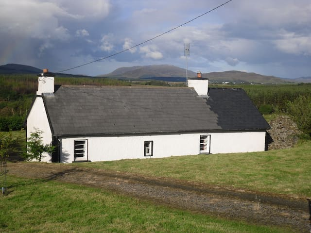 Traditional rural Donegal cottage - County Donegal