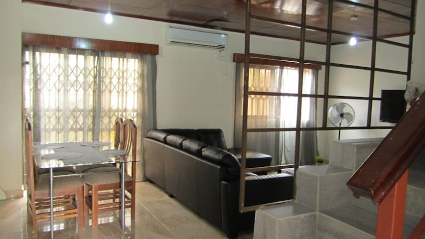 Self-catering villa on Spintex road - Accra - House