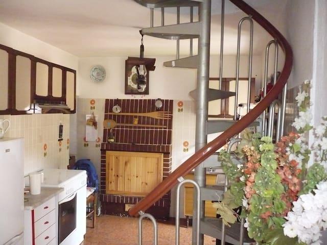 casa vacanza ivo & teresa - Tallacano fraz.di Acquasanta Terme ap - House
