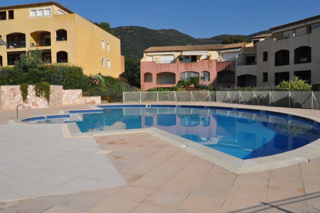 Swimming Pool 2 / Paddling Pool