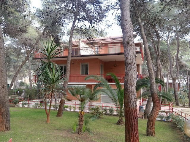 Attico in villa con giardino - Castellaneta Marina - 아파트