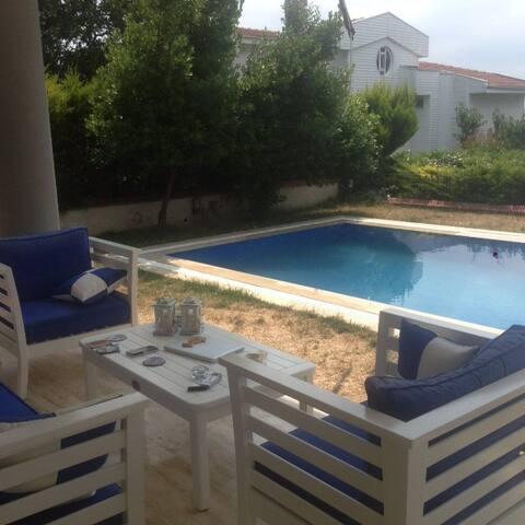 müstakil havuzlu villa - Bademli Mahallesi - Vila