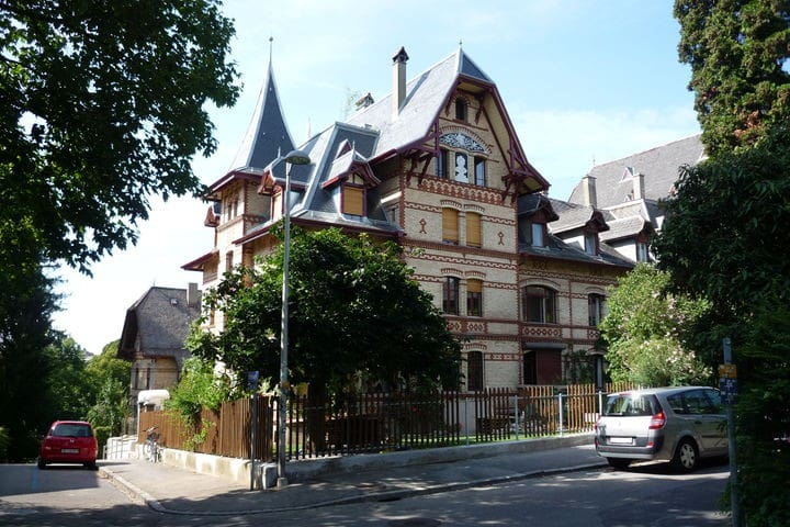 Living in a castle - Bern - Apartment