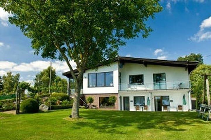 Ferienwohnung Eifelblick /App.Bauerngarten **** Sterne