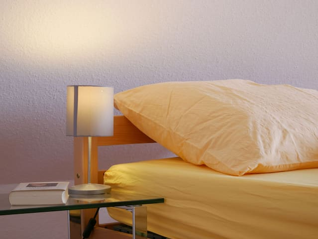 Haus Philipp, (Bad Urach), Ferienwohnung, 70qm, 2 Schlafzimmer, 1 Wohn-/Schlafzimmer, max. 5 Personen