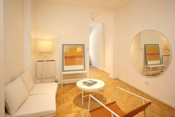 NEW!! Artsy, designer apartment in Palermo Chico