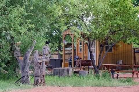 Coral Pink Horse Ranch Cowboy Bunkhouse #1