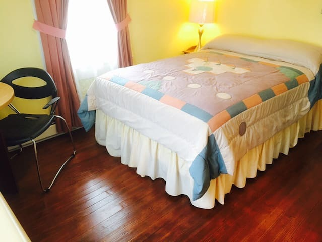 Cozy Room Near Bethel Woods and Villa Roma #7 - Kenoza Lake