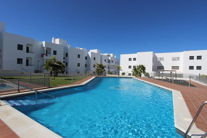 Apartment Kandi - Apartment  with balcony and communal pool