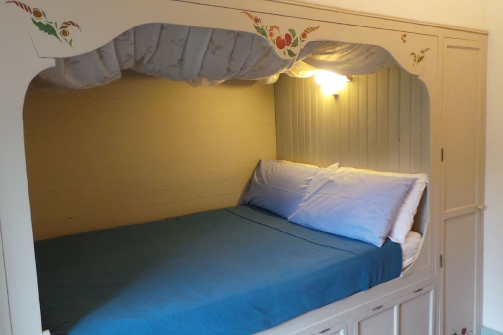 cabin-style double bed