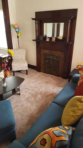 Clean, Quiet and Cozy Room!