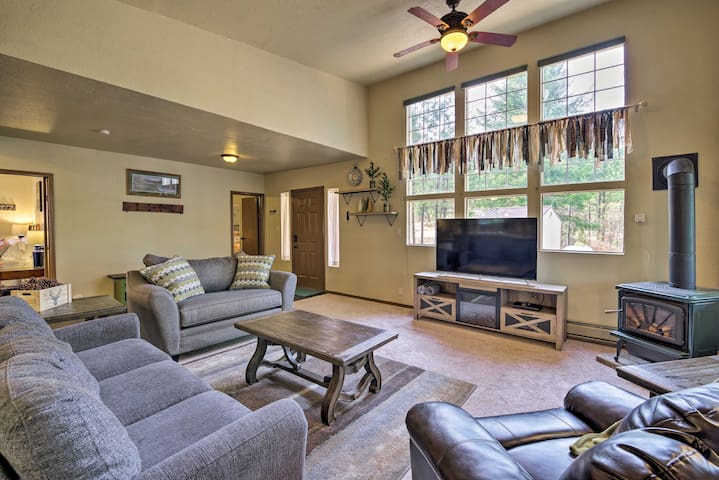 NEW! Private Mtn Cabin w/ Golf Course & Hot Spring