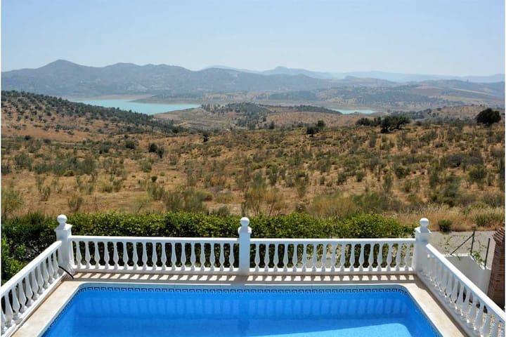 Villa Puesta del Sol,3 bed villa Near La Viñuela