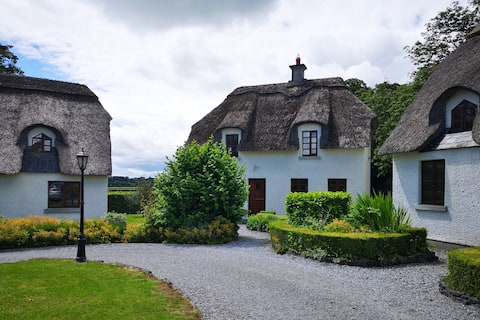 Wallslough Village Kilkenny Thatched Cottage No. 5