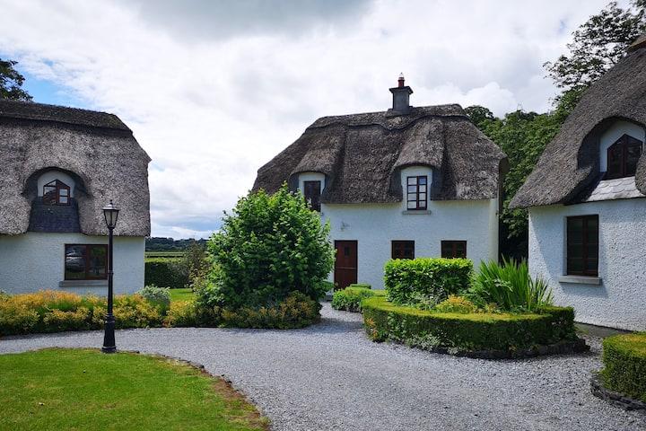 Wallslough Village Kilkenny Thatched Cottage No. 5