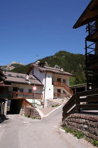 CasaValeron a Canazei - mansarda - Canazei - Apartment