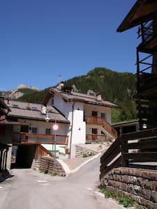 CasaValeron a Canazei - mansarda - Canazei
