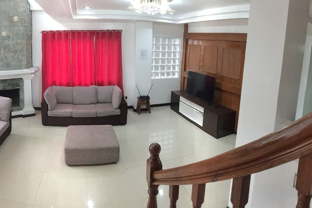 Balai Victoria - 5 Bedroom Unit has a capacity of 10-25 pax and is located just 3 kms. from Burnham Park and about 7 minutes to Kennon Road Viewpoint.  For booking inquiries, please call: +63 (999) 8830433, +63 (917) 8775597
